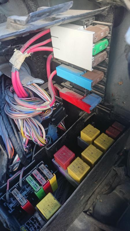 [SCHEMATICS_4UK]  Renault Master II (2007) - Need engine room fuse box and relay diagram? |  Independent Renault Forums | Renault Trafic Under Bonnet Fuse Box |  | Renault Forums