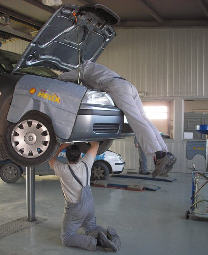 Click image for larger version  Name:3879_1940_extreme-mechanic.jpg Views:28 Size:42.4 KB ID:10529
