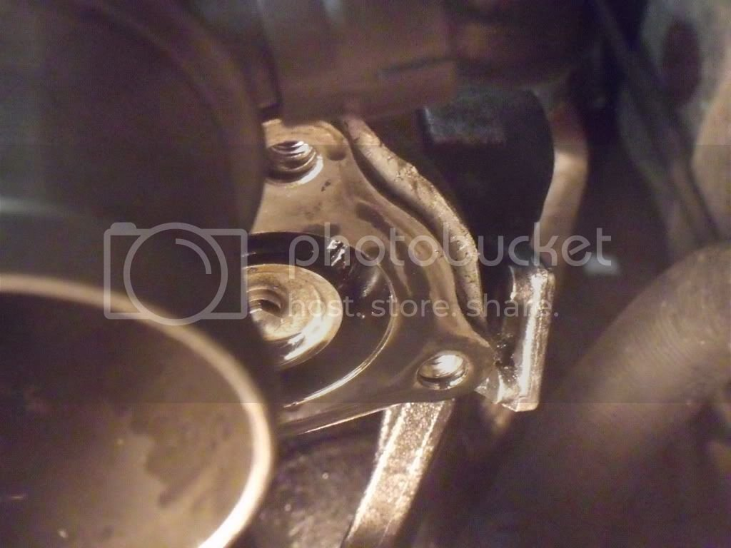 1 9dCi Engine - EGR Removal, Cleaning and Installation with